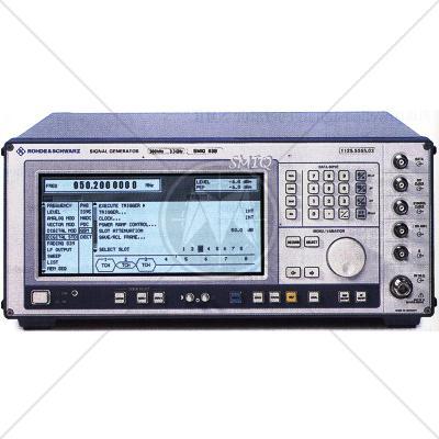 Rohde & Schwarz SMIQ03B Vector Signal Generator 300 kHz - 3.3 GHz