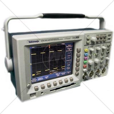 Tektronix TDS3014B 4 Channel 100 MHz Digital Oscilloscope 1.25 GSa/s