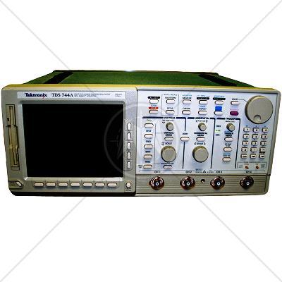 Tektronix TDS 744A 4 Channel 500 MHz Digital Oscilloscope 2GSa/s